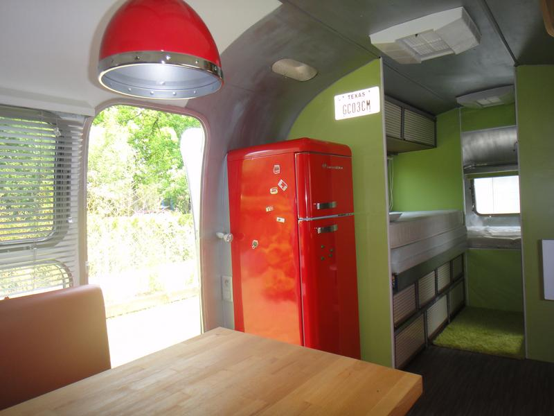 airstream food truck france. Black Bedroom Furniture Sets. Home Design Ideas